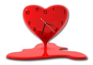 """Часы """"Тающее сердце"""""""