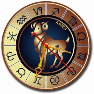 """Часы золотистые """"Овен"""""""